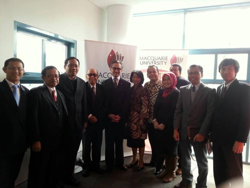Marty Natalegawa dan mahasiswa Indonesia