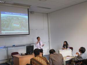 Presentasi di Belanda - 2013