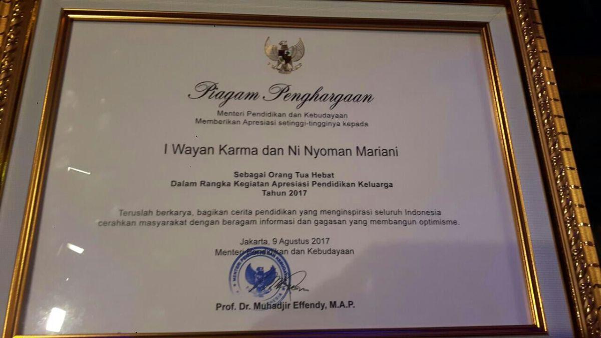 Penghargaan Pak Menteri untuk Bapak danMeme'